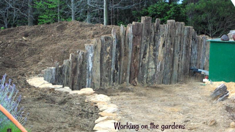 31-dec-working-on-the-gardens.jpg